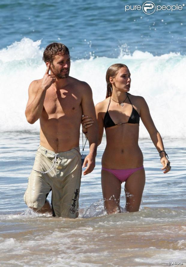 Paul Walker et son amie s'éclatent à Hawai