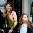 Kate Moss et sa fille Lila Grace à Paris, le 2 mars 2014.