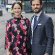 La princesse Sofia, enceinte et vêtue d'une robe & other stories, et le prince Carl Philip de Suède prenaient part le 7 mai 2017 au premier jour du 1er Forum mondial anti-harcèlement (World Anti-Bullying Forum) au Mall of Scandinavia à Stockholm.