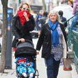 Exclusif - Candice Swanepoel, son fils Anacã et sa mère Eileen à New York, le 30 mars 2017.