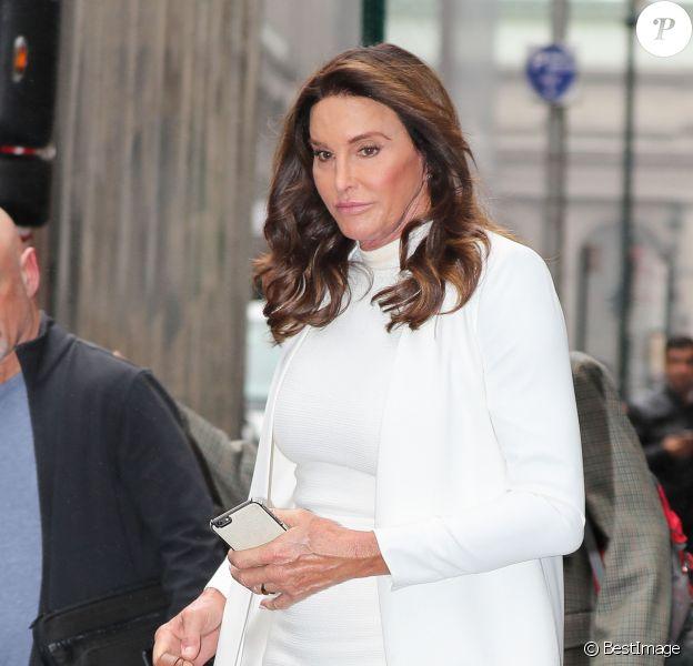 """Caitlyn Jenner arrive sur le plateau de """"The View"""" à New York, le 26 avril 2017."""