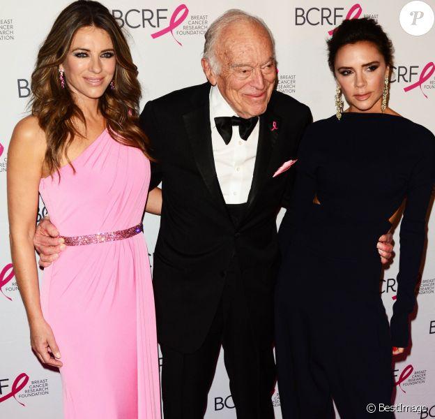 """Elizabeth Hurley (Liz Hurley), Leonard Lauder et Victoria Beckham - People à la soirée """"Super Nova Hot Pink Party"""" de la fondation """"The Breast Cancer Research Foundation"""" à New York, le 12 mai 2017."""