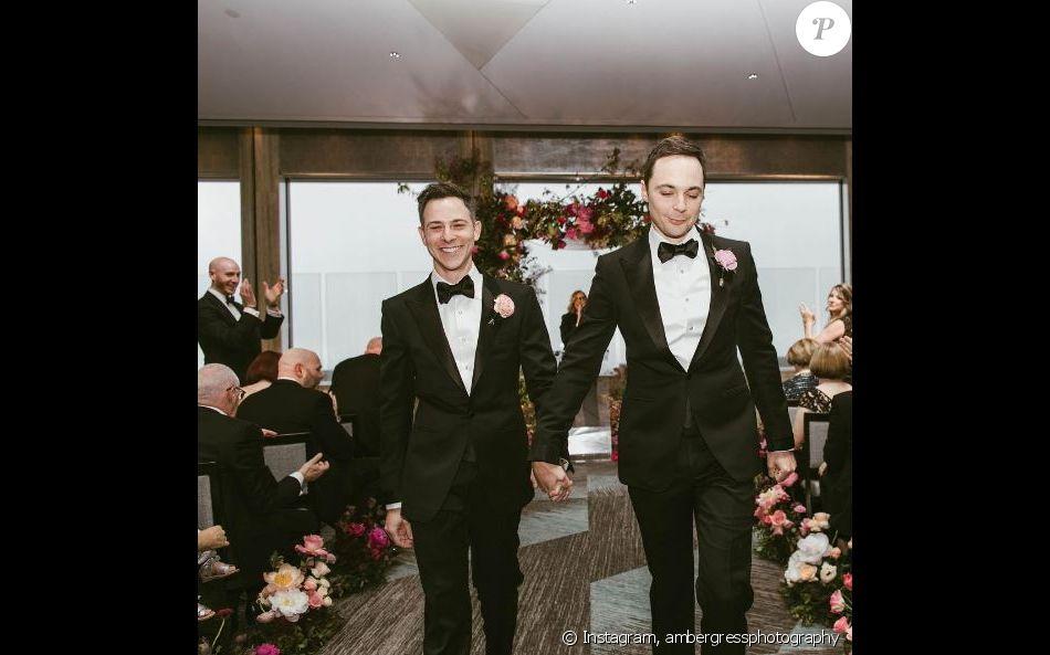 Jim parsons partage les belles photos de son mariage avec for Tenue de mariage conservation nyc
