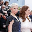 "Michelle Williams, Julianne Moore - Montée des marches du film ""Wonderstruck"" lors du 70e Festival International du Film de Cannes. Le 18 mai 2017. © Borde-Jacovides-Moreau / Bestimage"