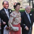 Philip Tindall (à droite), aux côtés de la princesse Anne et de son ex-époux Mark Phillips lors du mariage de Zara Phillips et Mike Tindall le 30 juillet 2011 à Edimbourg en Ecosse.