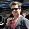 Exclusif - Benjamin Biolay devant l'entrée des artistes du Palais du Festival lors du 70ème Festival International du Film de Cannes, le 17 mai 2017. © Ramsamy Veeren/Bestimage