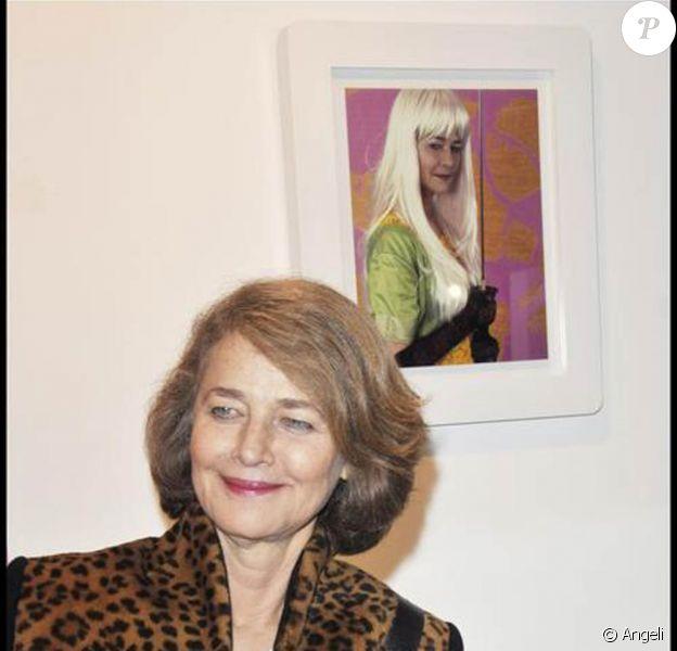 Charlotte Rampling au vernissage de l'exposition de Jacques Bosser. 22/01/09