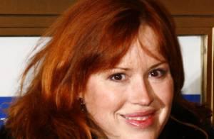 La star Molly Ringwald attend... des jumeaux !