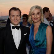 Laurence Ferrari tout sourire au bras de son époux pour un chic dîner cannois