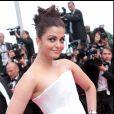 Aishwarya Rai - Montée des marches du film Sleeping Beauty au Festival de Cannes le 12 mai 2011