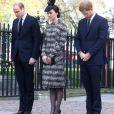 Le prince William, duc de Cambridge, Catherine (Kate) Middleton, duchesse de Cambridge, et le prince Harry assistent à une messe en hommage aux victimes de l'attentat de Londres à l'abbaye de Westminster. Londres, le 6 avril 2017.