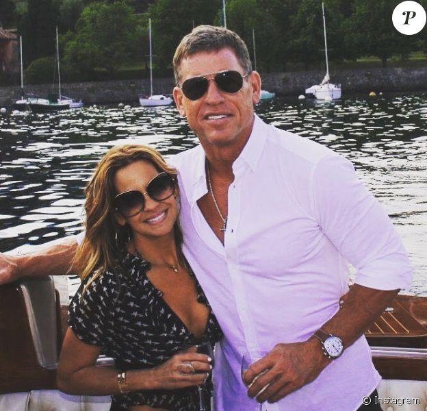 Troy Aikman, ancienne gloire de la NFL et triple vainqueur du Super Bowl avec les Dallas Cowboys, a demandé le 2 juin 2017 sa compagne Capa Mooty en mariage, sur les bords du Lac de Côme au cours de leurs vacances en Europe. Photo Instagram.
