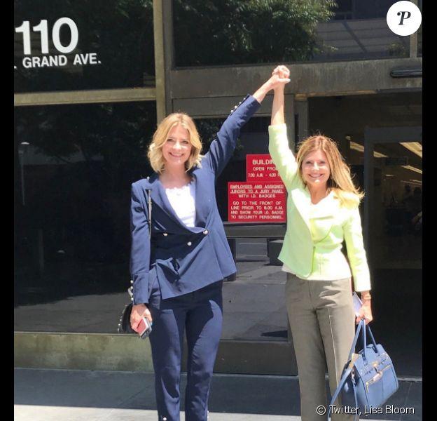 Mischa Barton et son avocate Lisa Bloom à la sortie du tribunal de Los Angeles le 5 juin 2017