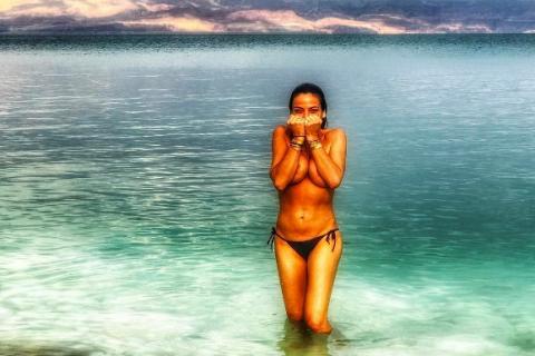 Tomer Sisley affiche sa chérie Sandra Zeitoun quasi nue sur la Toile