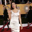 Rosario Dawson, lors du  Screen Actors Guild Awards , le 25 janvier 2009, dans un fourreau drapé gris poudre est superbe.