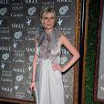 Kirsten Dunst dans sa longue robe grise a fait sensation