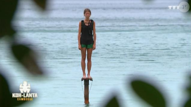 """Clémentine sur les poteaux - Finale de """"Koh-Lanta Cambodge"""", le 16 juin 2017 sur TF1."""