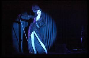 EXCLU : Dita Von Teese s'effeuille au Crazy Horse... rien que pour vous ! Découvrez tout son show !
