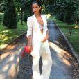 Malika Ménard en soutien-gorge à un mariage, elle dévoile son look osé sur Instagram le 18 juin 2017.