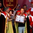 """Arnold Schwarzenegger et sa compagne Heather Millligan sont cette année les invités exceptionnels de la seconde édition de"""" Libourne fête le vin"""". À cette occasion l'acteur, passionné de vins Français a été intronisé par la commanderie des vins de Bordeaux et nommé grand maitre et ambassadeur des célèbres vins Bordelais. Le 25 Juin 2017 à Libourne."""
