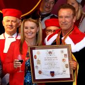 Arnold Schwarzenegger : Accompagné de sa chérie, il est nommé ambassadeur...
