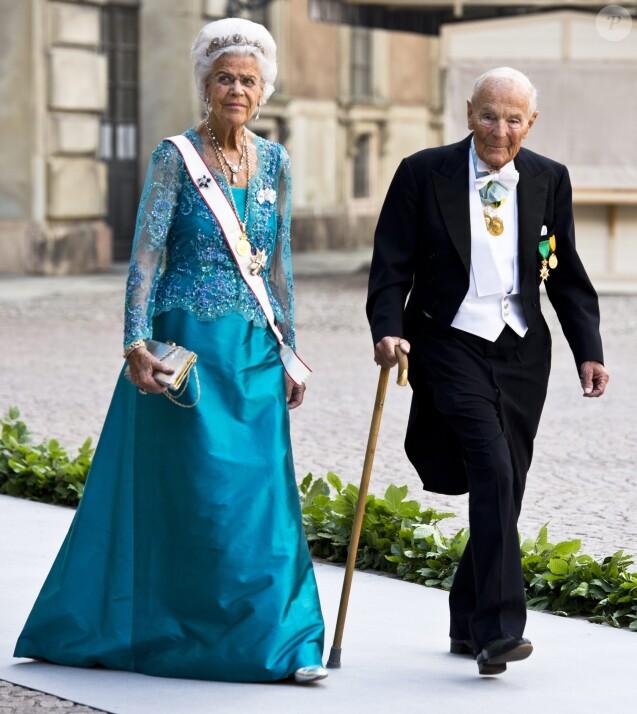 La famille royale de su de encore endeuill e for Code de robe de mariage de palais de justice