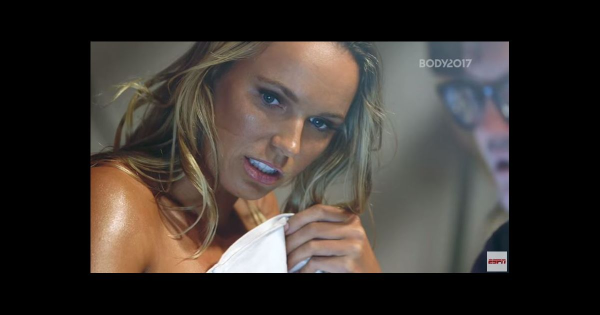 femme qui se deshabille en entier fille sexy tennis