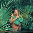 Jennifer Lopez en tenue d'Eve dans son nouveau vidéo clip Ni Tu Ni Yo - Image extraite d'une vidéo publiée sur Youtube le 11 juilet 2017
