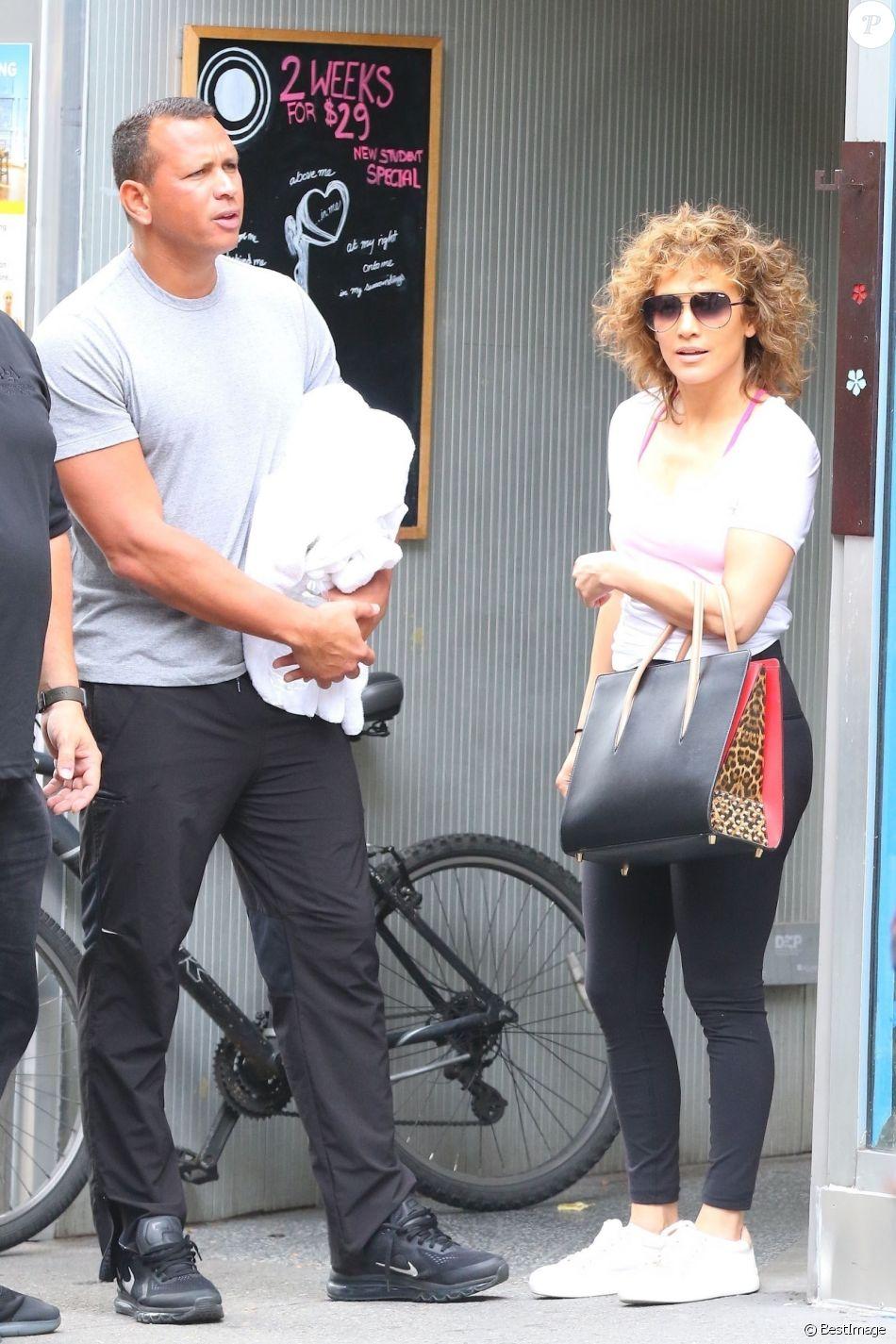 Exclusif - Jennifer Lopez et son compagnon Alex Rodriguez ...