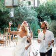 """Exclusif - Pamela Anderson pose lors de l'ouverture de son restaurant vegan éphémère """"La Table du Marché by Pamela"""" à Ramatuelle le 4 juillet 2017. © Philippe Doignon/Bestimage"""