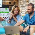 """Ingrid Chauvin et Alexandr Brasseur sur le tournage de """"Demain nous appartient"""" pour TF1, le 5 juin 2017."""