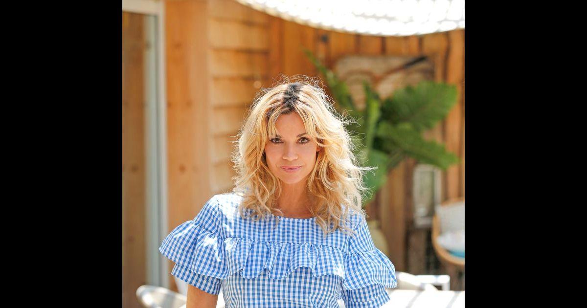 Ingrid chauvin lors d 39 un s ance photo dans la maison du for Maison du tournage