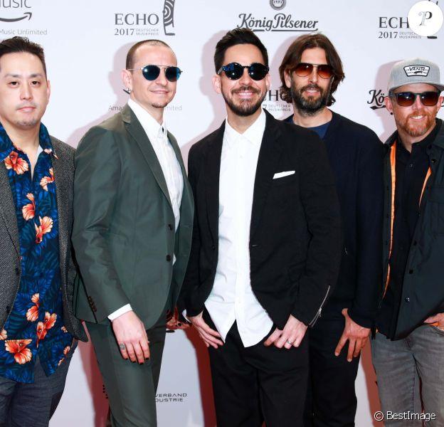 """Linkin Park aux """"2017 Echo Awards"""" à Messe Berlin, le 6 avril 2017."""