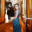 Exclusif - Lily Collins à la sortie de l'hôtel InterContinental Carlton lors du 70ème Festival International du Film de Cannes, France, le 22 mai 2017. © Philippe Doignon/Bestimage