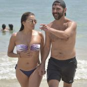 Eva Longoria : Pulpeuse en bikini, elle échange de tendres baisers avec son mari