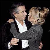 Arielle Dombasle très amoureuse de son mari BHL... et elle le montre !