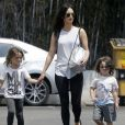 """"""" Exclusif - Megan Fox se promène avec ses enfants Noah et Bodhi à Los Angeles le 9 juillet 2017 """""""