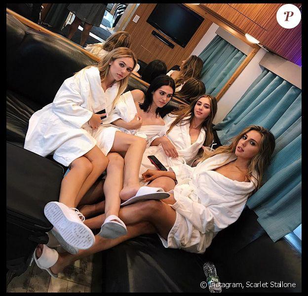 Photos des soeurs Delilah et Amelia Hamlin, et Scarlet et Sophia Stallone. Juillet 2017.