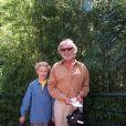 Pierre Richard et son petit-fils Arthur Defays en 1999