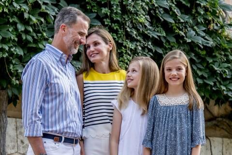 Letizia et Felipe d'Espagne, Leonor et Sofia: Sourires et originalité à Marivent