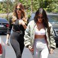 Kim et Khloé Kardashian à Studio City, le 26 juillet 2017.