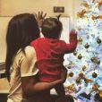 """""""Amel Bent et sa fille préparent le sapin de Noël, Instagram, décembre 2016"""""""