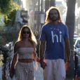Exclusif - Joakim Noah et sa compagne Isabelle Cutrim profitent d'une soirée en amoureux dans le quartier de Venice Beach à Los Angeles. Le 7 août 2017.