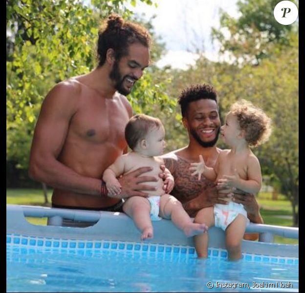 Photo de Joakim Noah, Taurean J. Green et leurs enfants. Août 2017.