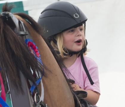 Mia Tindall, 3 ans : La fille de Zara Phillips en selle, la relève est assurée !