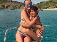 Laeticia Hallyday divine en bikini : Elle s'amuse à la plage avec Jade et Joy