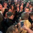 Exclusif - Le journaliste David Pujadas est allé boire un verre en bord de Seine, au port de Javel dans le 15e arrondissement de Paris, accompagné des journalistes de France 2, le 8 juin 2017.