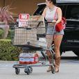 Exclusif - Ariel Winter et son compagnon Levi Meaden sont allés déjeuner avec des amis à Los Angeles. Ariel porte un sac à dos Fendi. Le 4 septembre 2017.