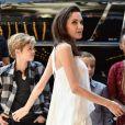 """Angelina Jolie avec ses filles Vivienne, Shiloh, Zahara et son fils Knox à la première du film """"The Breadwinner"""" au Festival international du film de Toronto le 10 septembre 2017"""