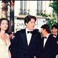 Liz Hurley et Hugh Grant - Festival de Cannes 1995